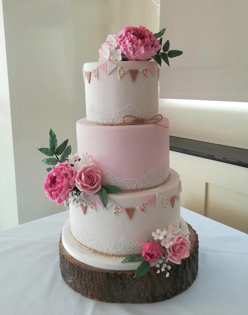 Lucie Loves To Bake