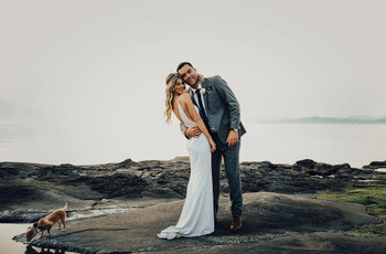 31 Essential Wedding Photo Poses for Couples to Try