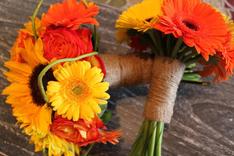 Burlap wedding bouquet wrap