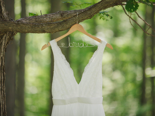 10 Tips for Selling Your Used Wedding Dress Online or Beyond