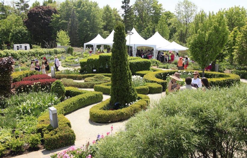 Toronto Botanical Gardens outdoor wedding venue