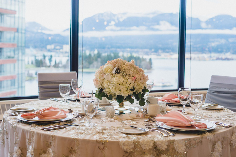 Waterfront wedding venues in Vancouver - Pinnacle Hotel Harbourfront