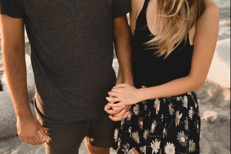 7 Ways to Announce Your Engagement to Family and Friends