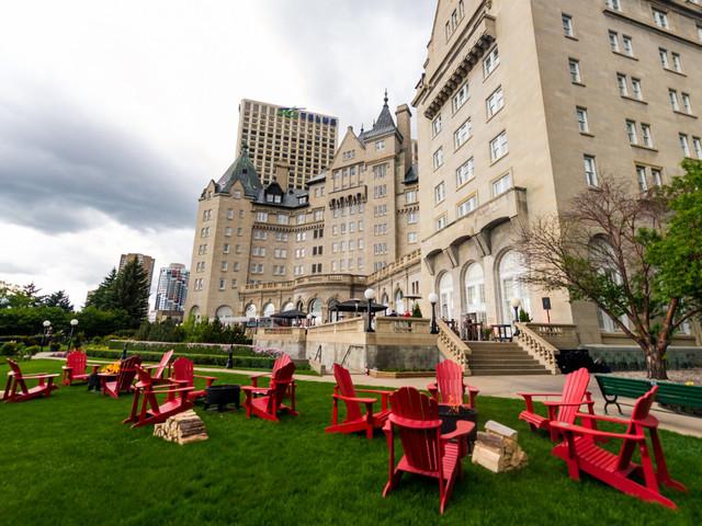 8 Stunning Outdoor Wedding Venues in Edmonton