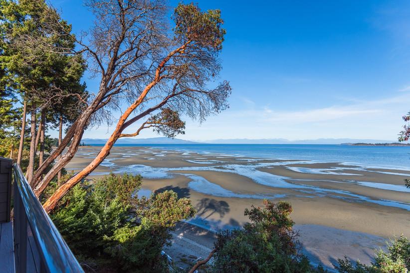 Tigh-Na-Mara Seaside Resort
