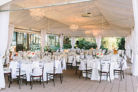 The 15 Best Restaurant Wedding Venues in Vancouver for Foodies