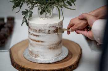 Eco-Friendly Wedding Cake Hacks You Need to Know