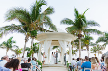 How to Research Local Vendors for Your Destination Wedding from Afar