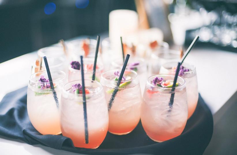 Aperol Spritz summer wedding cocktail