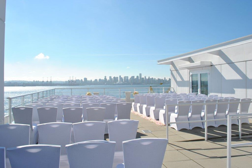 Waterfront wedding venues in Vancouver - Pinnacle Hotel at the Pier