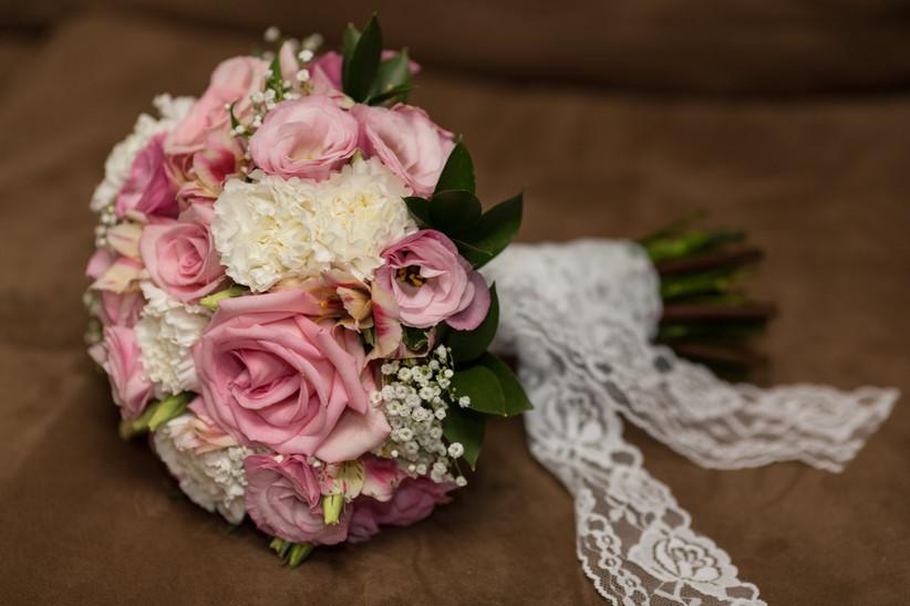 Lace wedding bouquet wrap