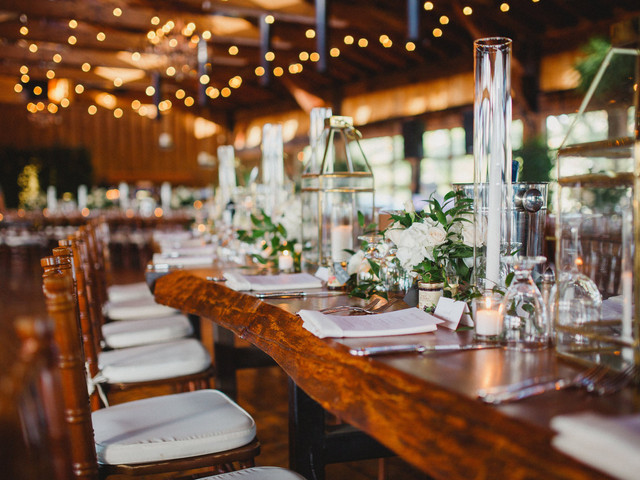 14 Gorgeous Lantern Wedding Centerpieces