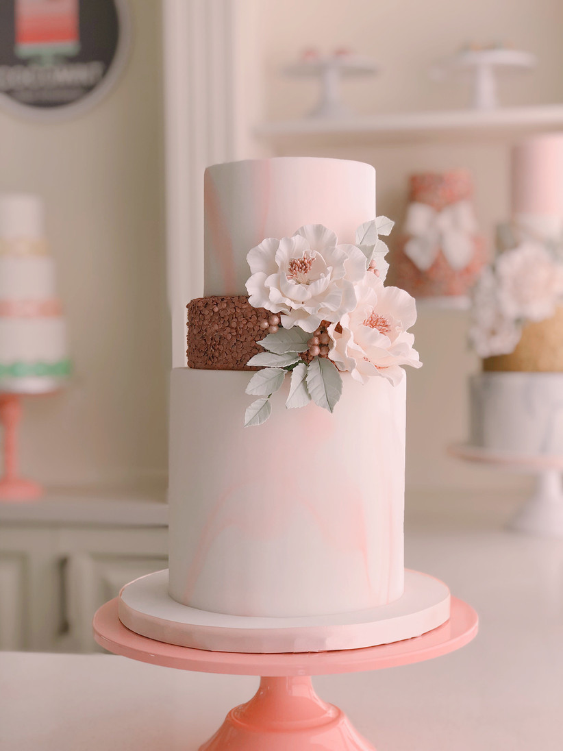 Wedding cake with top tier for freezing for first anniversary