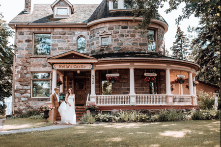 6 Vintage Wedding Venue Styles We're Totally Obsessed With