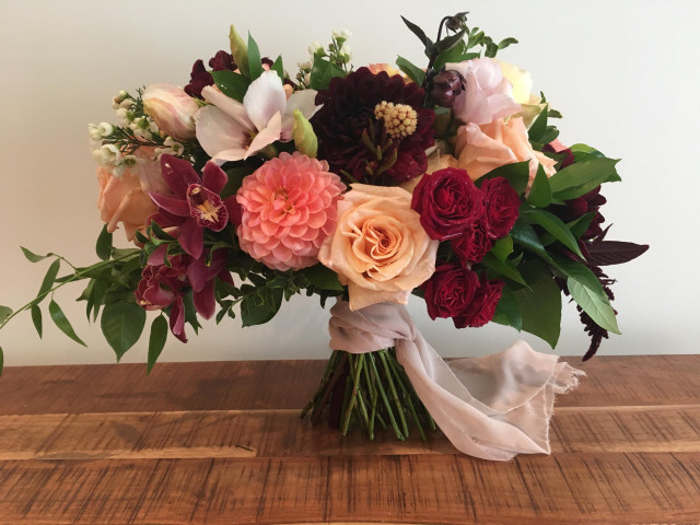 7 Gorgeous Wedding Bouquet Wrap Ideas