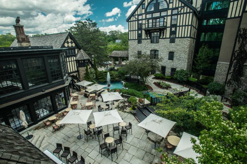 Old Mill outdoor wedding venue in Toronto