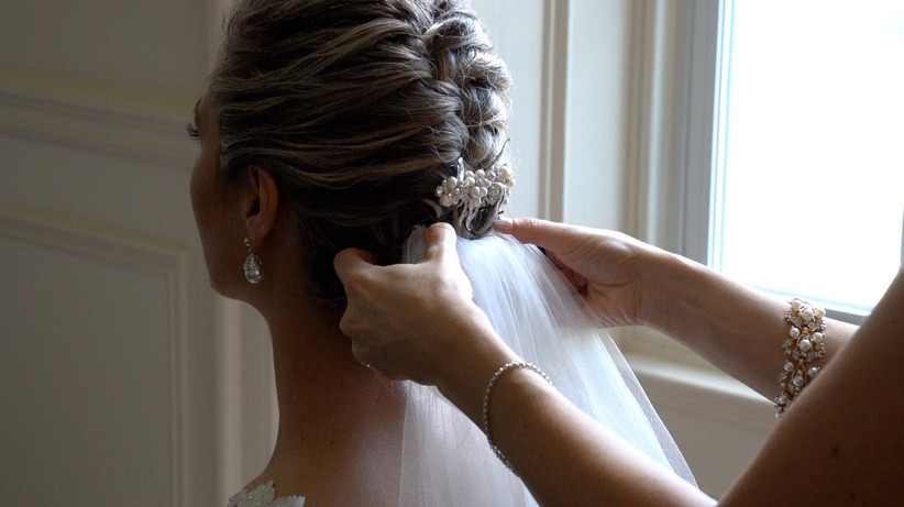 Wedding veil with updo