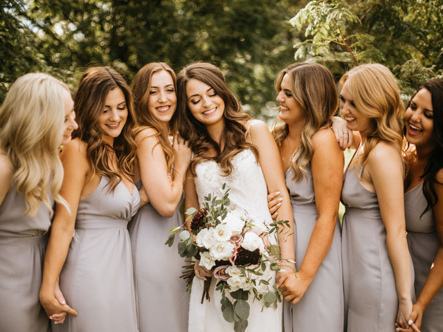 Gorgeous Bridesmaid Hairstyles We're Totally Obsessed With