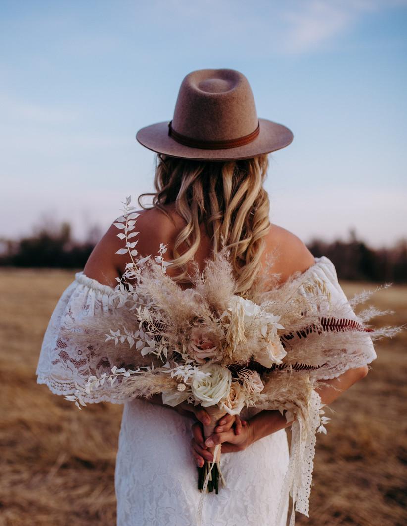 Pampas grass boho bridal bouquet