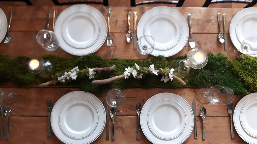 Cottage wedding table decorations