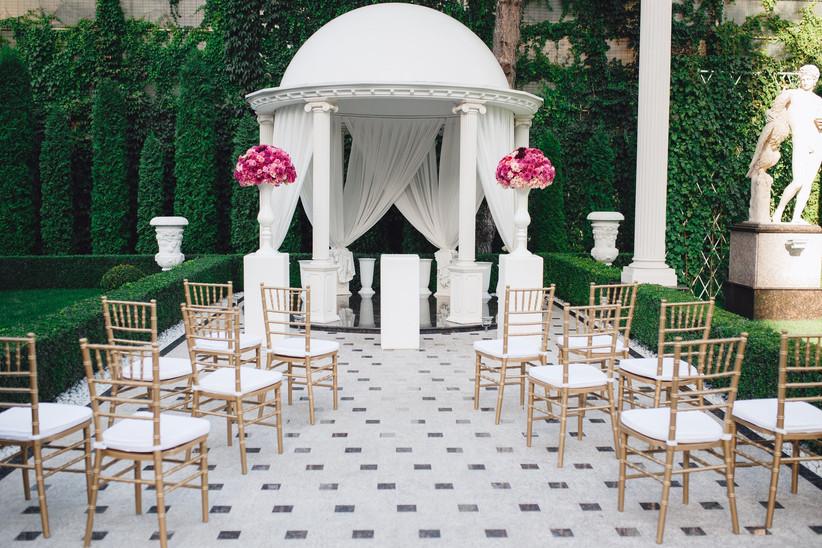 Wedding ceremony columns