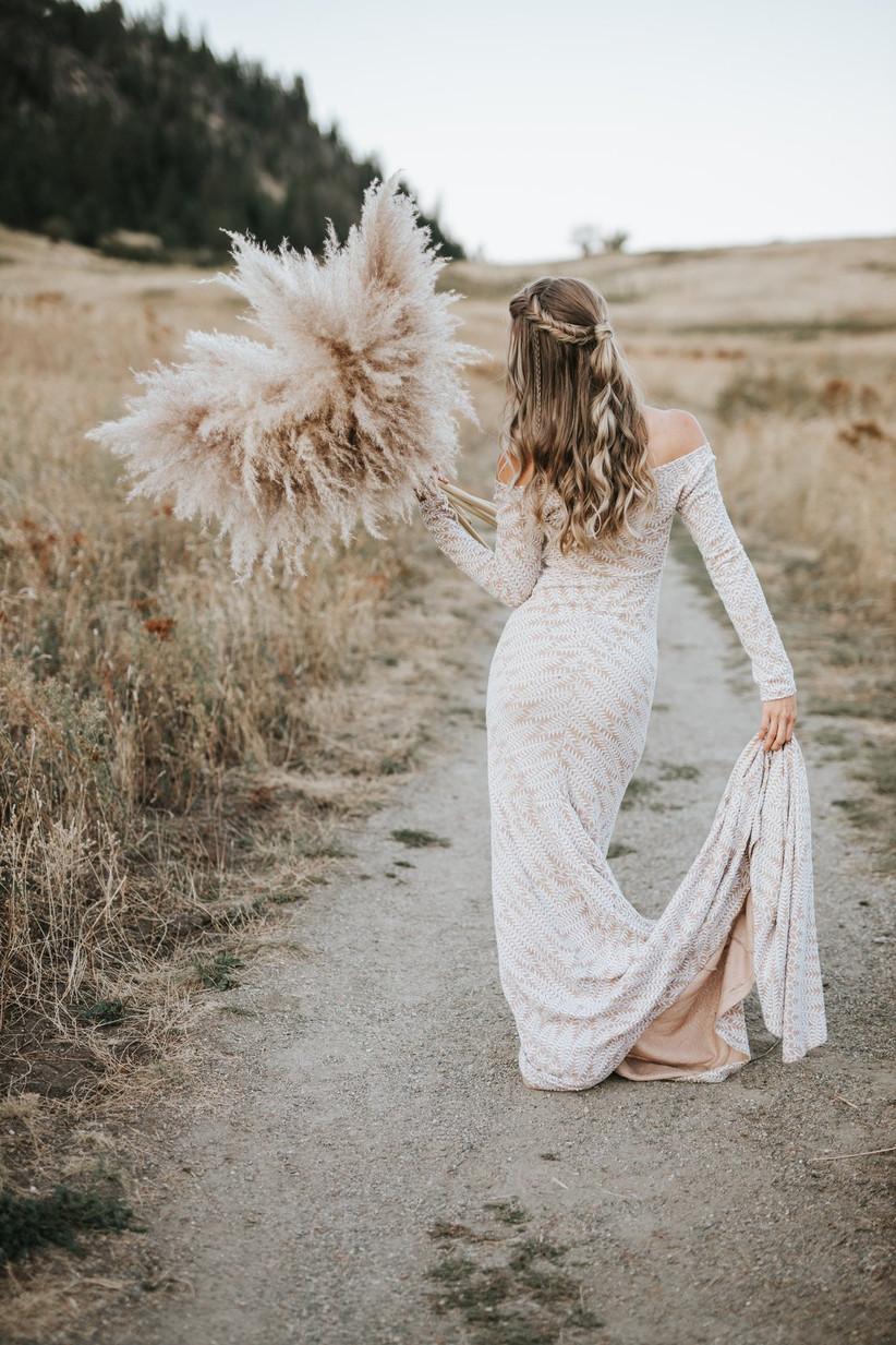 Pampas grass boho bridal potrait