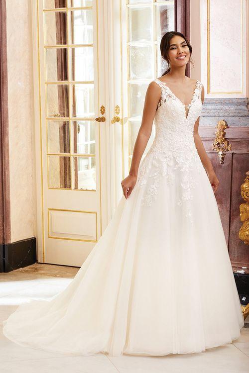 44230, Sincerity Bridal