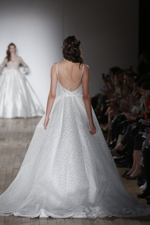 Style 2763, Tara Keely