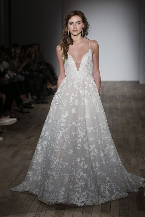 Style 8750, Jim Hjelm Occasions