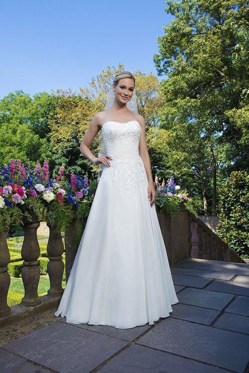 3864, Sincerity Bridal