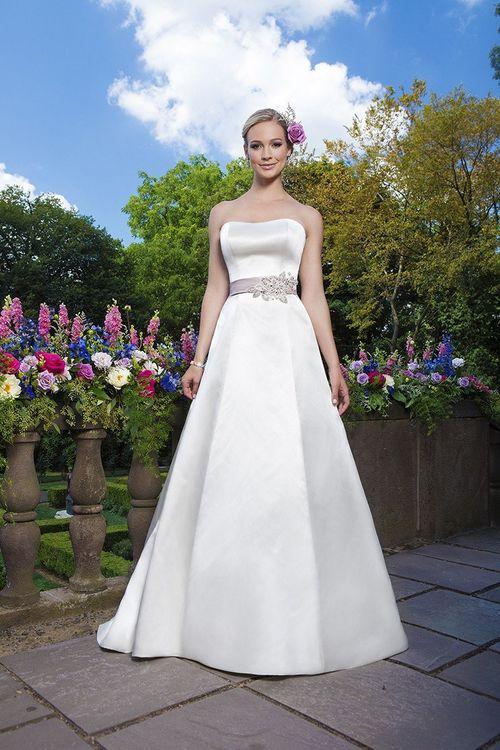 3872, Sincerity Bridal
