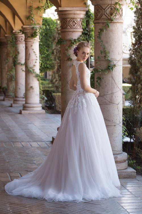 4032, Sincerity Bridal