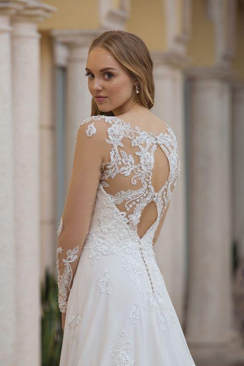 44098, Sincerity Bridal