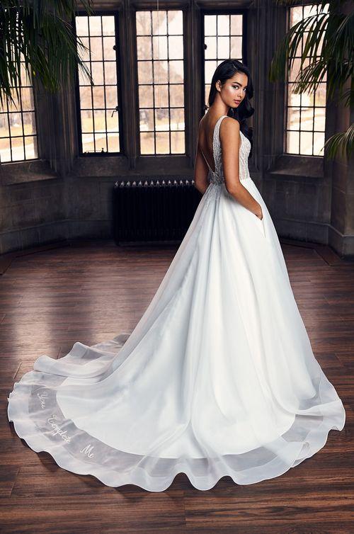 Style 4902, Paloma Blanca