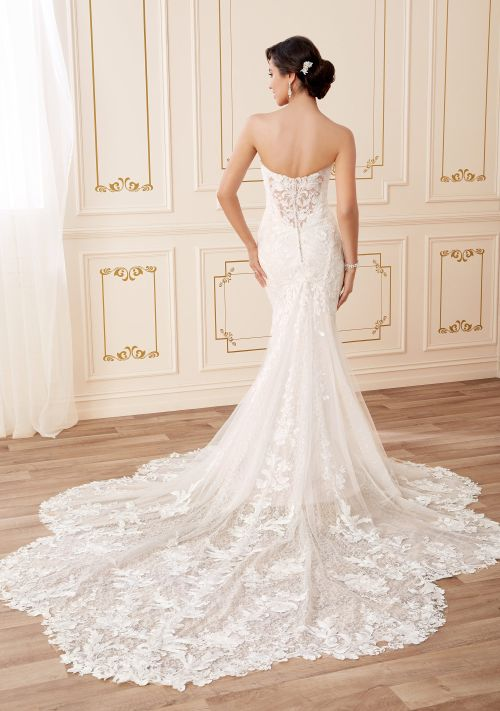 y22050, Mon Cheri Bridals