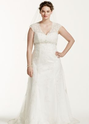 David's Bridal Woman Style 9T3299, David's Bridal