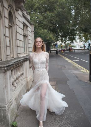 Freya, Monique Lhuillier