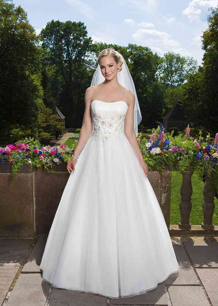 3857, Sincerity Bridal