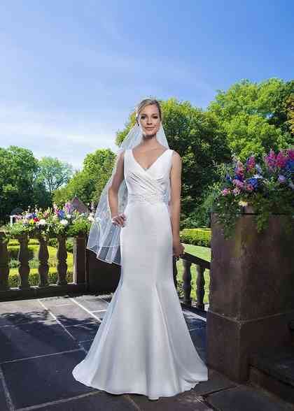 3862, Sincerity Bridal