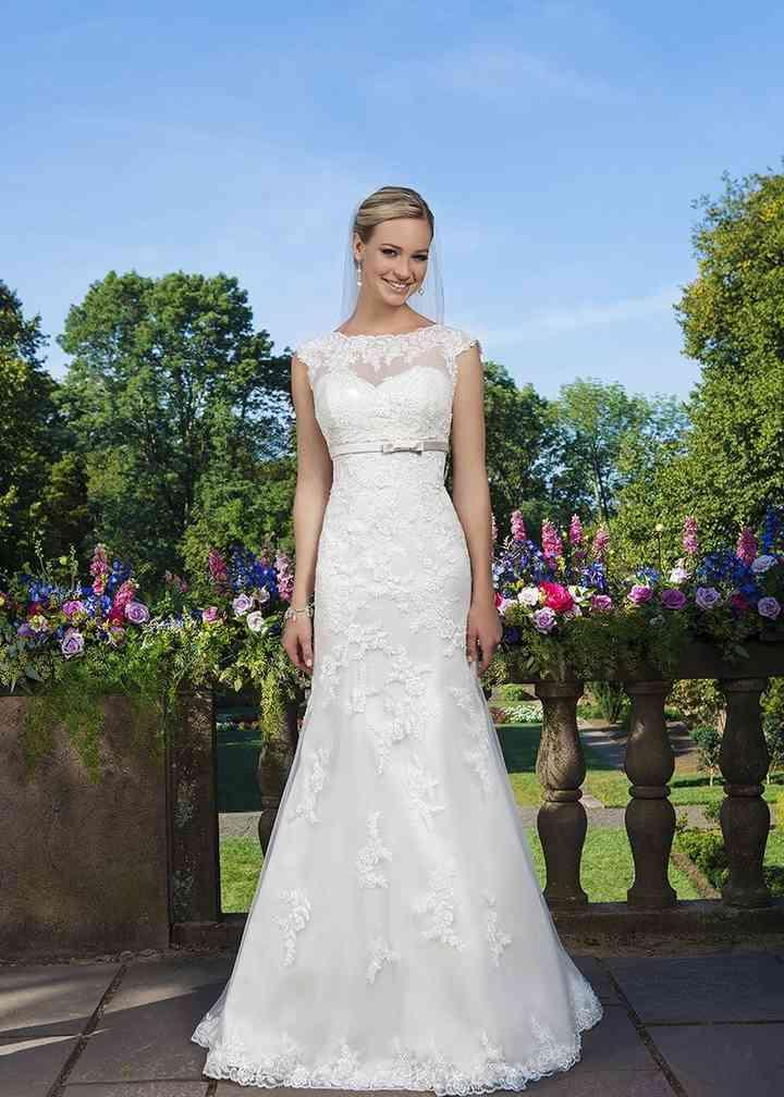 3871, Sincerity Bridal