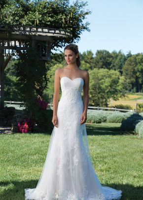 44097, Sincerity Bridal