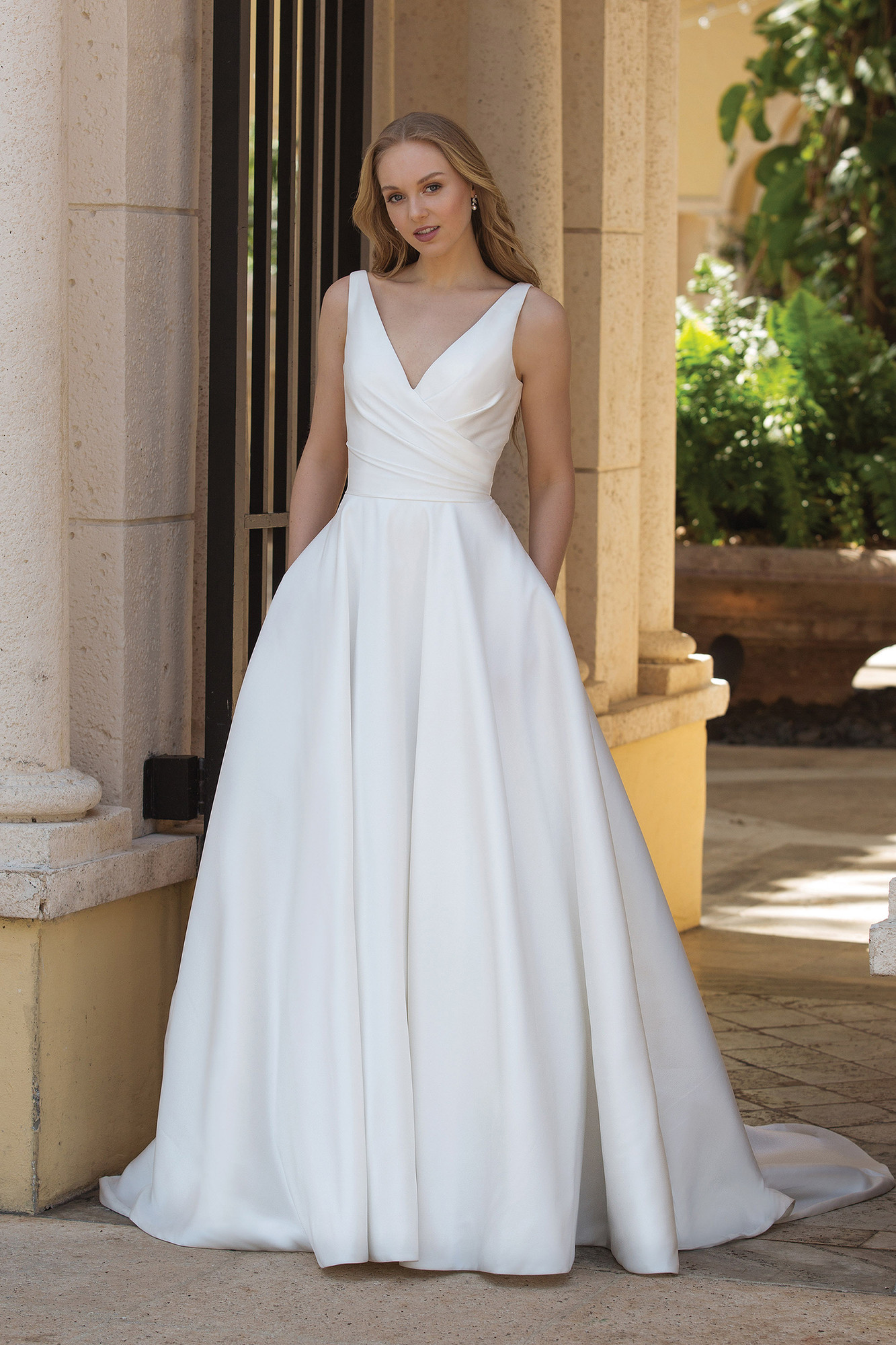 Wedding Dresses By Sincerity Bridal 44080 Weddingwire Ca