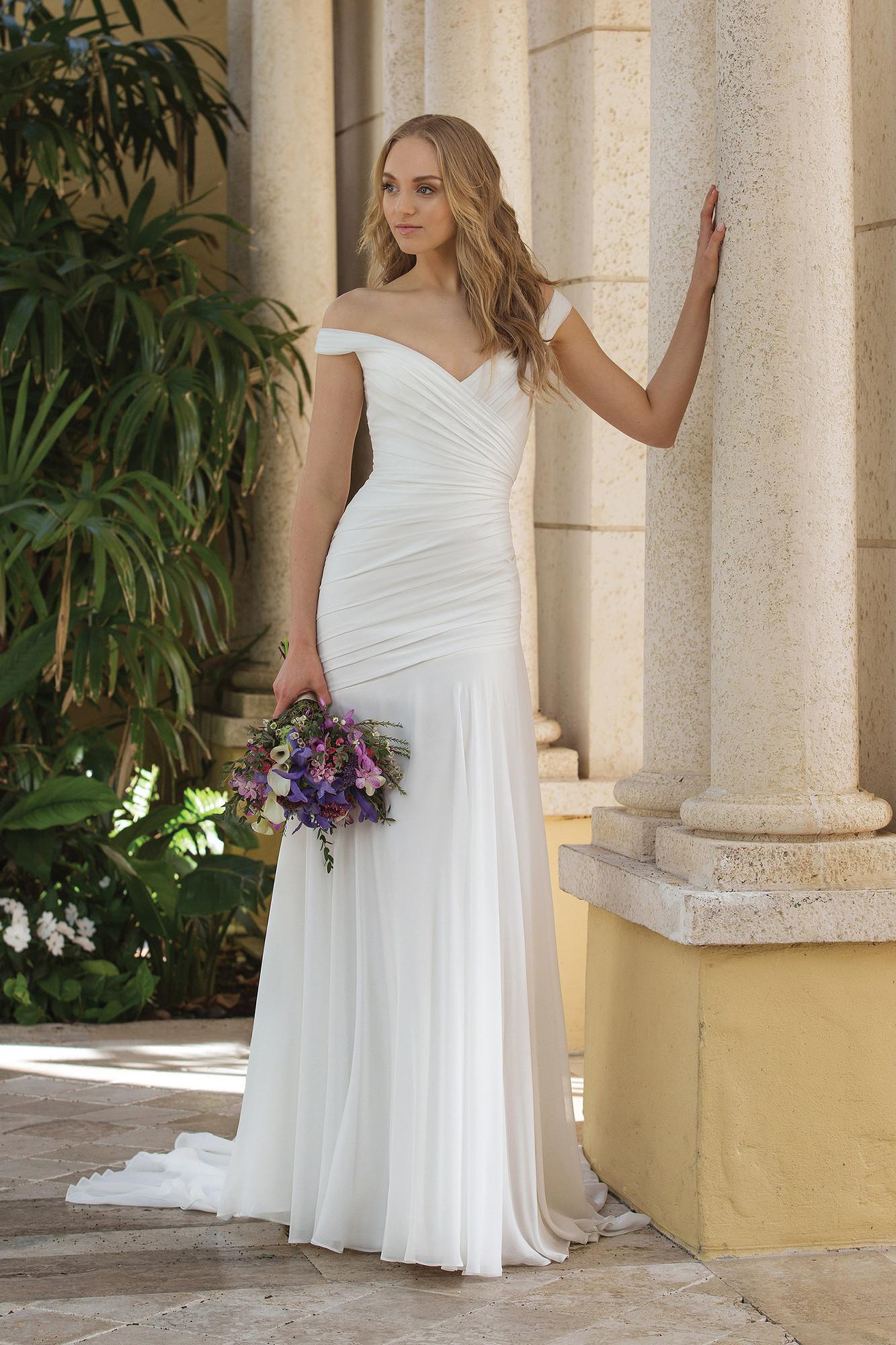 Wedding Dresses By Sincerity Bridal 44084 Weddingwire Ca