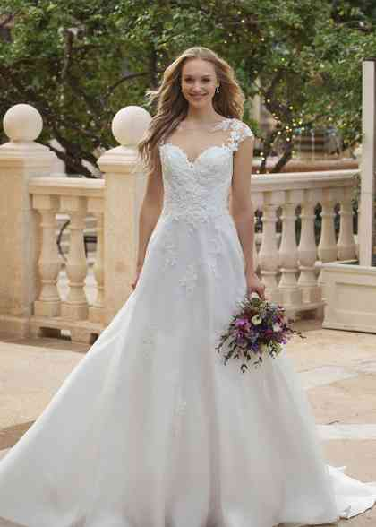 44088, Sincerity Bridal