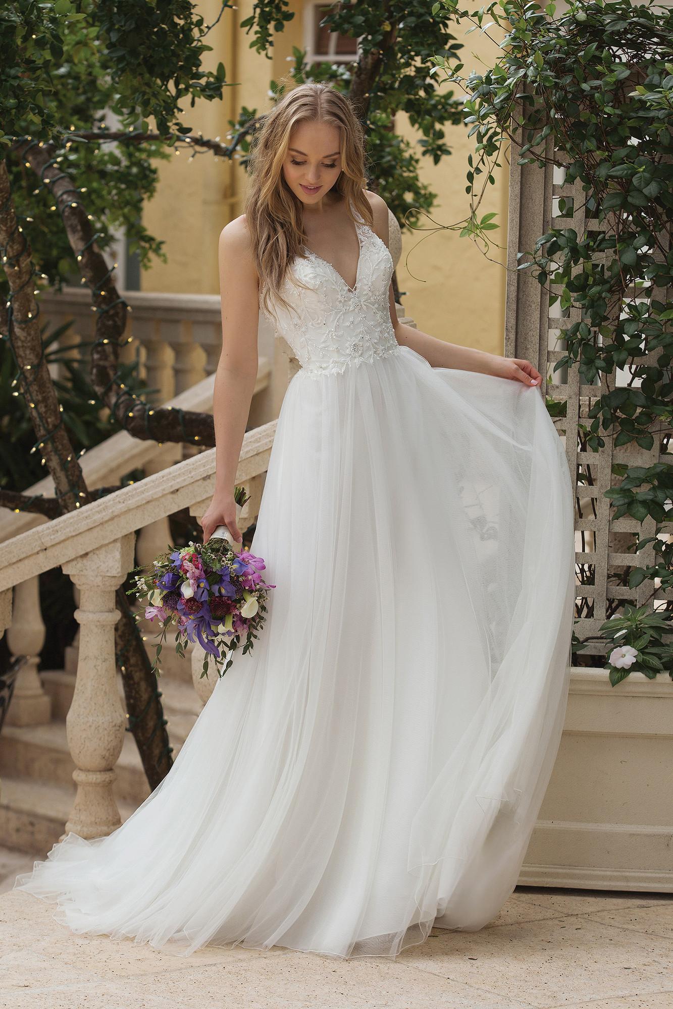 7685bea68e92 Wedding Dresses - Weddingwire.ca