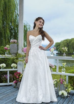 6091, Sweetheart Gowns