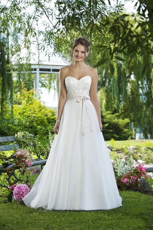 6098, Sweetheart Gowns