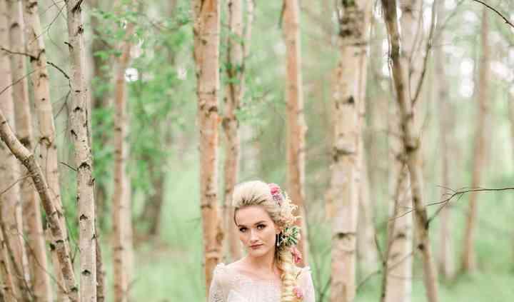 Woodland + Wildflower Weddings at RavenRidge