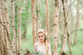 Woodland + Wildflower Weddings at RavenRidge