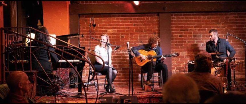 Full show at Hermann's